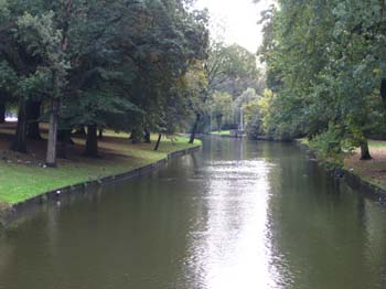 Park by the train station in Bruge